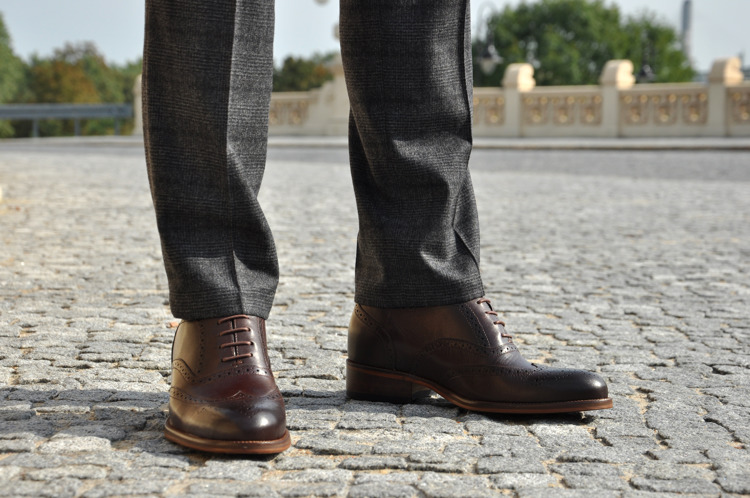 Dress code in the summer, or how to choose men's footwear for work?